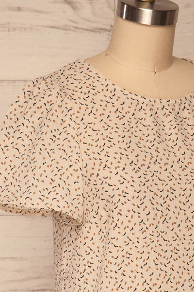Eidstranda Beige Patterned Chiffon Top | La petite garçonne side close up