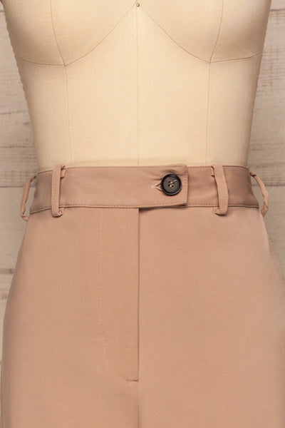 Eistir Taupe Pants | Pantalon Taupe front close up | La Petite Garçonne