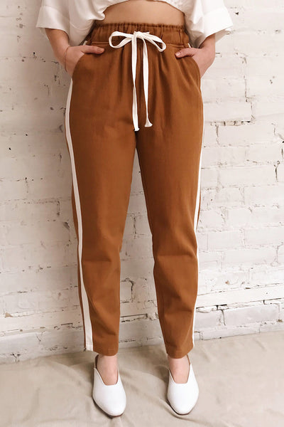 Elevtherai Brown Straight Leg Pants | La petite garçonne model close up