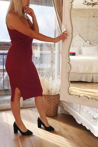 Ericeira Burgundy Ribbed Fitted Midi Dress | La petite garçonne