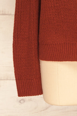 Evora Brick Red Boxy Knit Sweater w/ Slits | SLEEVE CLOSE UP | La Petite Garçonne