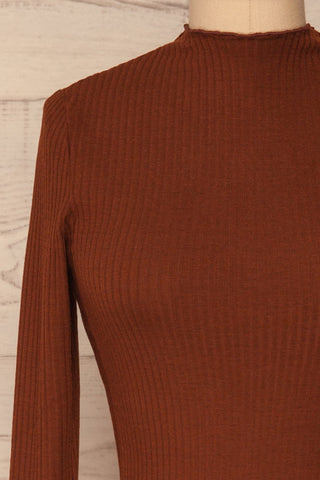 Faaset Clay Brown Ribbed Top with Stand Collar  | front close up | La Petite Garçonne
