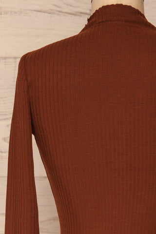 Faaset Clay Brown Ribbed Top with Stand Collar  | back close up | La Petite Garçonne