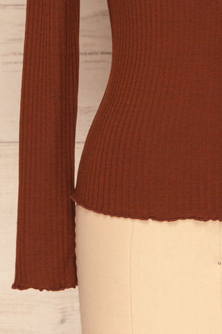 Faaset Clay Brown Ribbed Top with Stand Collar  |  bottom close up | La Petite Garçonne