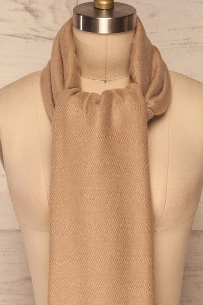 Fagerelv Beige Soft Lightweight Scarf | La petite garçonne front close up