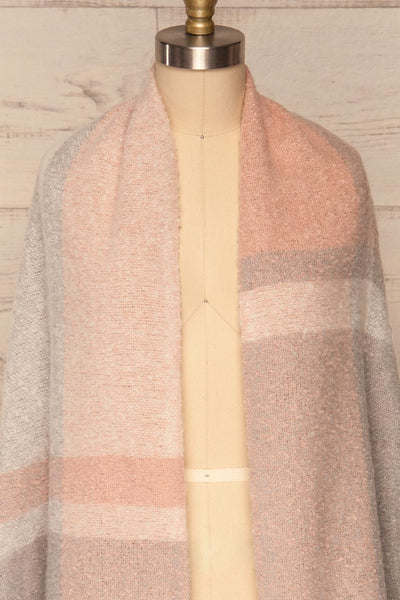 Falkenberg Grey & Pink Large Fuzzy Scarf| FRONT CLOSE UP VARIANT | La Petite Garçonne