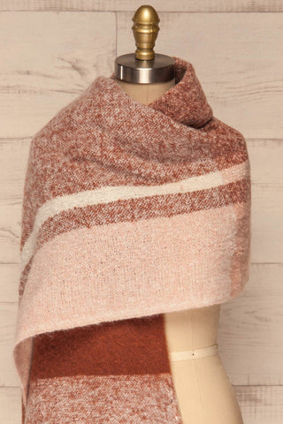 Falkenberg Marron Brown & Blush Fuzzy Scarf shaw close up | La Petite Garçonne