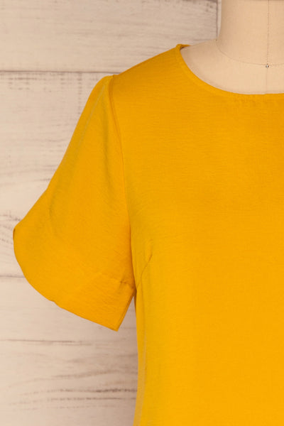 Fallet Yellow Boxy Short Sleeved Top | La Petite Garçonne front close-up