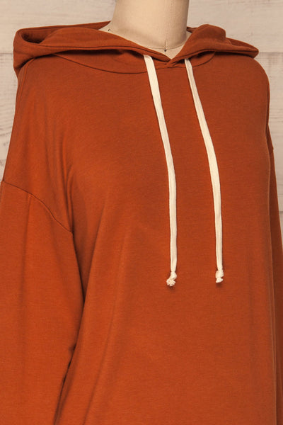 Fasseland Clay Burnt Orange Long Sleeved Top | La Petite Garçonne side close-up