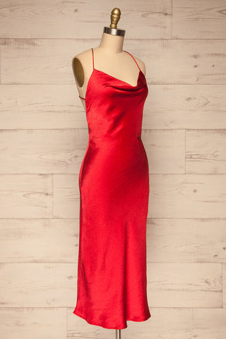 Fawn Red Silky Dress | Robe Rouge| La Petite Garçonne side view