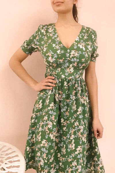 Frieda Green Floral Short Sleeve Midi Dress | Boutique 1861 model close up