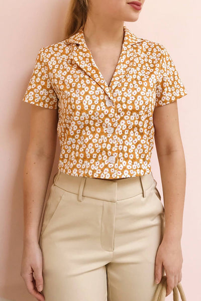 Gersimi Floral Button-up Crop Top | Boutique 1861 model close up