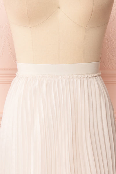 Ghislaine Off-White Pleated Skirt front close up | Boutique 1861