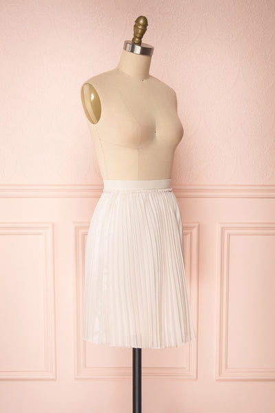 Ghislaine Off-White Pleated Skirt side view | Boutique 1861
