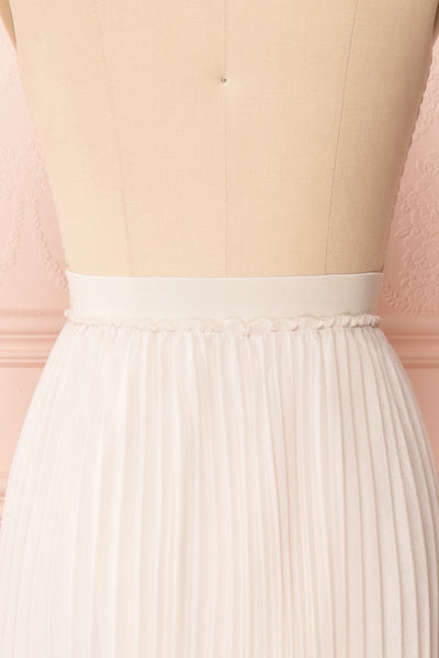 Ghislaine Off-White Pleated Skirt back close up | Boutique 1861