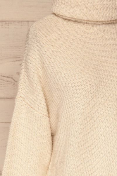 Givri Cream Knit Turtleneck Sweater | La petite garçonne side close-up