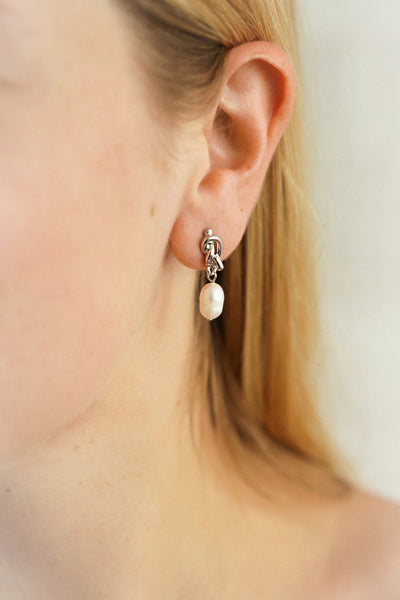 Gniezno Argent | Pearl Pendant Earrings