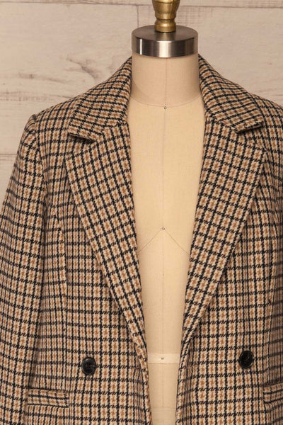 Gothenburg Beige Plaid Double Breasted Coat | La Petite Garçonne open close-up
