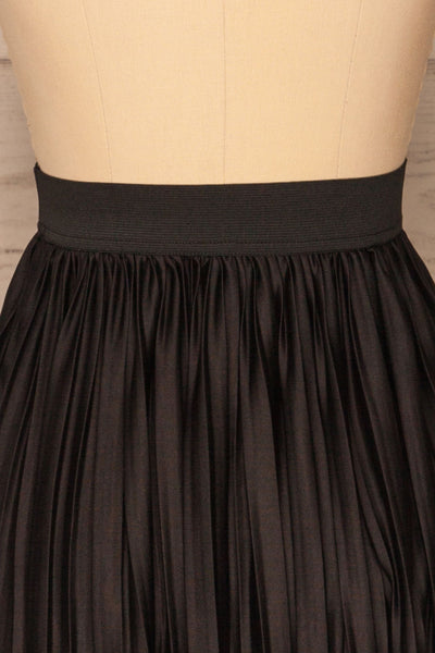 Gouves Black Pleated Midi Skirt | La petite garçonne  back close-up