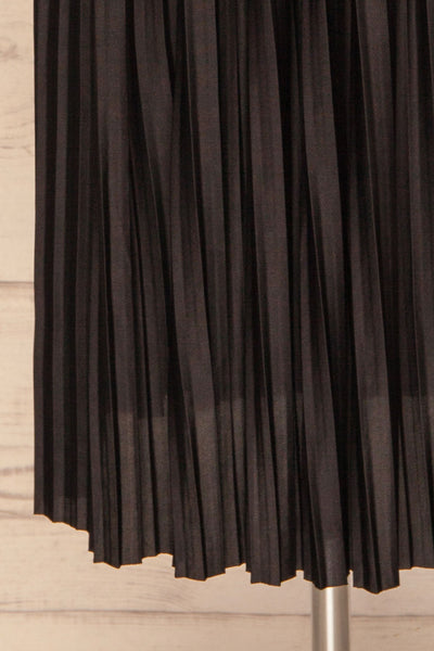 Gouves Black Pleated Midi Skirt | La petite garçonne bottom