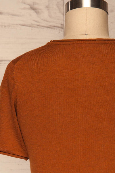 Granna Rust Brown Short Sleeved Knit back close up | La petite garçonne
