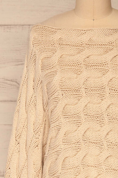 Grodzisk Beige Cropped Knitted Sweater | La petite garçonne front close-up
