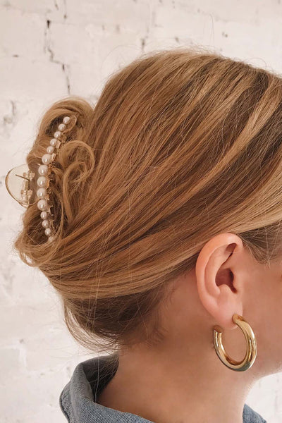 Ubero Clear Pearl Studded Hair Clip | La Petite Garçonne  https://1861.ca/products/ubero on model