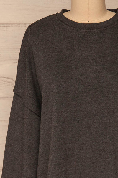 Hattem Black Oversized Sweater | La petite garçonne   front close-up