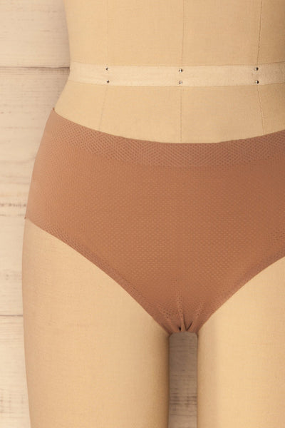 Jelsi Taupe - Taupe seamless underwear with a pattern of tiny holes