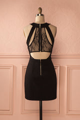 Jumanah - Black fitted dress with plunging neckline