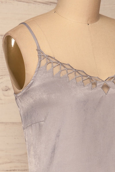 Juniper Silky Cami | Camisole Grise | La Petite Garçonne side close-up