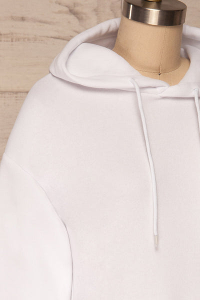 Juxue Snow White Hoodie | La petite garçonne side close up