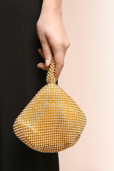 Kapolei Gold Crystal Wristlet | Sac à Main | Boutique 1861 on model