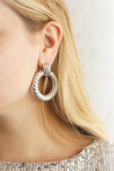 Keiss Argent Silver Twisted Hoop Earrings | La Petite Garçonne on model