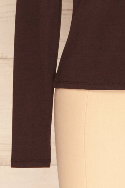 Kepno Brun Brown Top w/ Tied Stand Collar | La Petite Garçonne bottom close-up