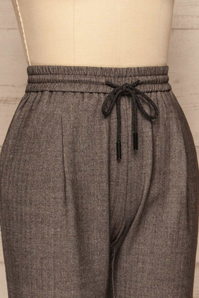 Kerames Cropped Grey Drawstring Pants | La petite garçonne side close up