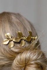 Keres Golden Hair Comb with Leaves | Boudoir 1861