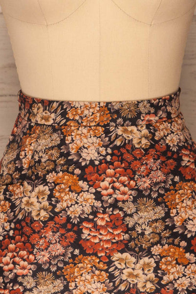 Kharkiv Black Floral Print Short Skirt | La petite garçonne  front close-up