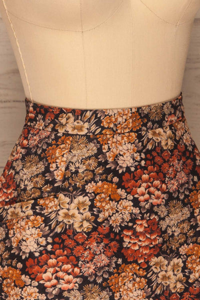 Kharkiv Black Floral Print Short Skirt | La petite garçonne side close-up