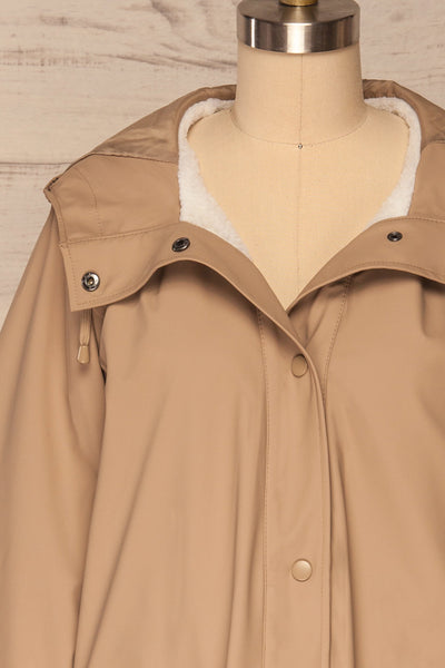 Klodzko Beige Wide Hooded Rain Coat | La petite garçonne front close up open