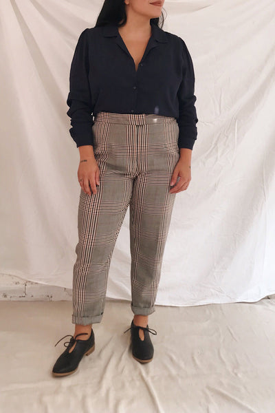 Fagernes Grey Tapered Plaid Pant | La petite garçonne model look