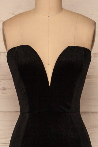 Kubra Black Velvet Maxi Dress | Robe | La Petite Garçonne front close-up