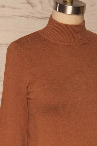 Kuznia Rust Long Sleeve Mock Neck Top | La petite garçonne side close up