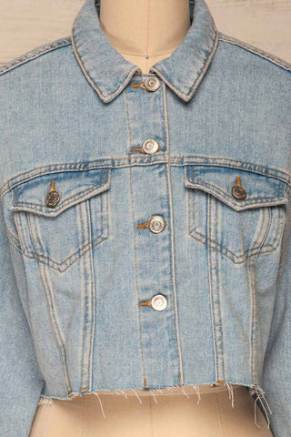 Lariano Crop Jean Jacket | Veston Denim | La Petite Garçonne front close-up