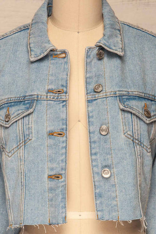 Lariano Crop Jean Jacket | Veston Denim | La Petite Garçonne front close-up open