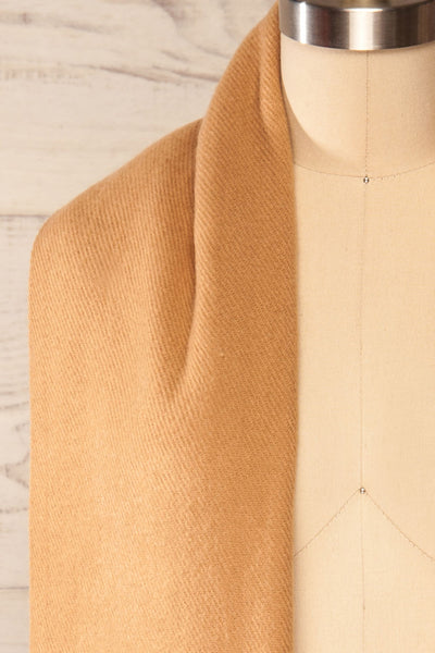 Le Baiser Taupe Soft Knitted Scarf | La petite garçonne shoulder close-up