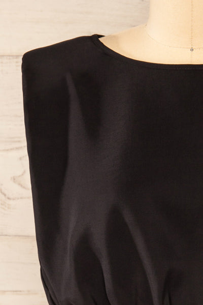 Leon Black Shoulder Pads Crop Top | La petite garçonne front close-up