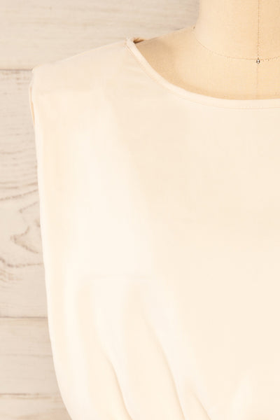 Leon Cream Shoulder Pads Crop Top | La petite garçonne front close-up
