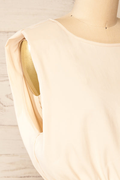 Leon Cream Shoulder Pads Crop Top | La petite garçonne side close-up