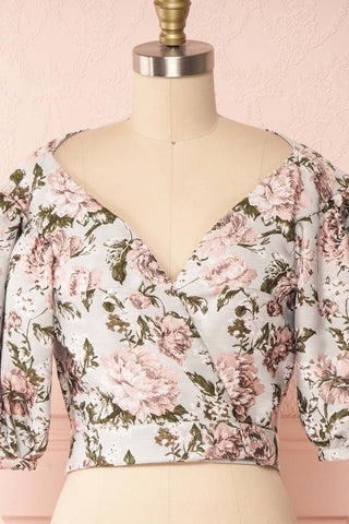 Leonore Floral Crop Top | Haut Écourté front close up | Boutique 1861